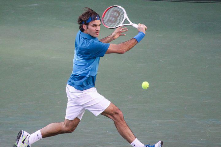 1024px-Roger_Federer_2012_Indian_Wells